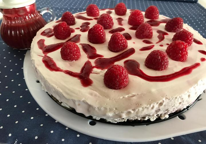 Himbeer Mascarpone Kuchen Mit Schoko Crunch Boden Zum Geburtstag