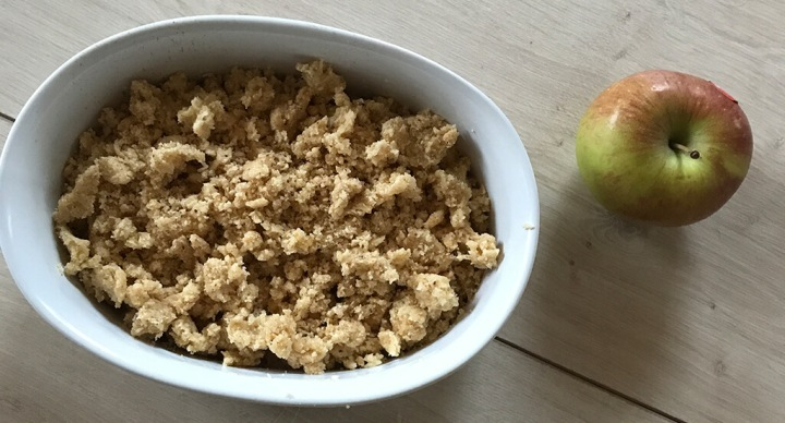 Warmer Apfel-Crumble – perfekt an kaltenRegentagen